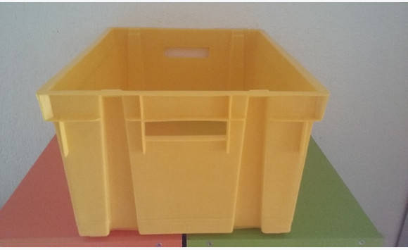 Yellow or blue plastic tub - Classified ad - Furniture and ...