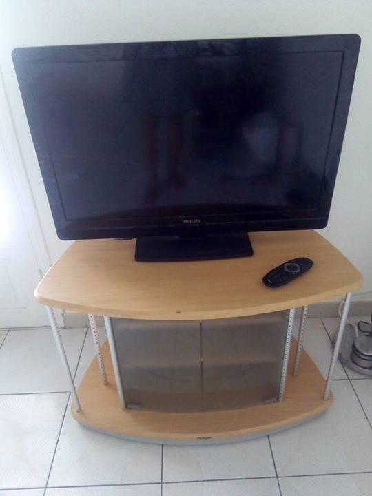 Tv De Marque Philips 82 Cms + Meuble Tv - Annonce - Image & Son La