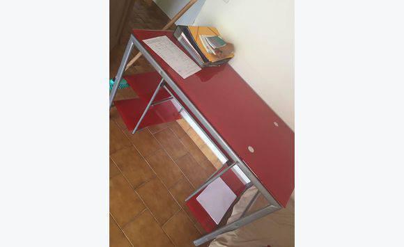 Bureau en verre rouge meubles et décoration saint barthélemy