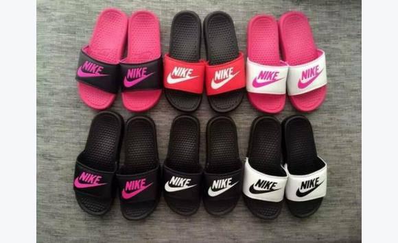 Claquettes Nike - Annonce - Chaussures Guadeloupe f8ba2da50e8d
