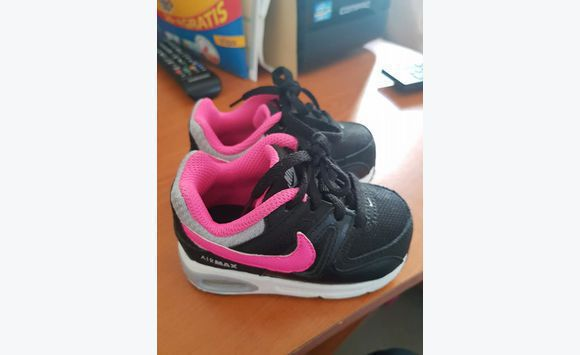 chaussure nike fille taille 21