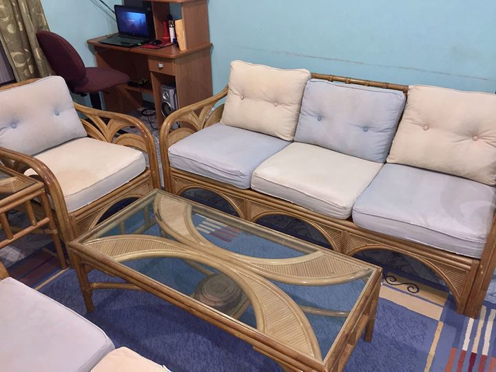 salon rotin incluant centre c t table annonce meubles et d coration philipsburg sint maarten. Black Bedroom Furniture Sets. Home Design Ideas