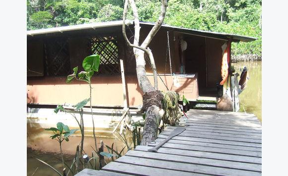barge am nag e maison flottante annonce bateaux moteur saint laurent du maroni guyane. Black Bedroom Furniture Sets. Home Design Ideas