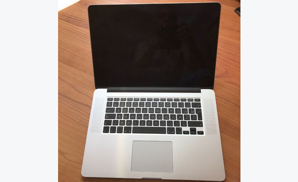 MacBook pro retina 15 inches