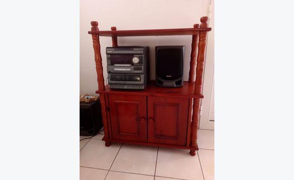 petit meuble hi fi en pin massif annonce meubles et. Black Bedroom Furniture Sets. Home Design Ideas