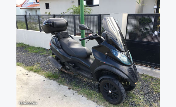 scooter mp3 piaggio cm3 annonce motos scooter quad les trois lets martinique. Black Bedroom Furniture Sets. Home Design Ideas