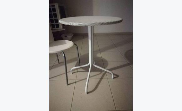 table habitat meubles et d coration guyane cyphoma. Black Bedroom Furniture Sets. Home Design Ideas