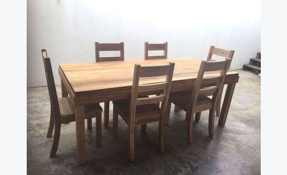 ensemble table et chaises annonce meubles et d coration le diamant martinique. Black Bedroom Furniture Sets. Home Design Ideas