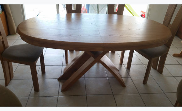 Oval wooden table and 6 chairs