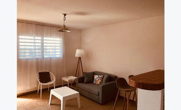 Ruim appartement met 1 slaapkamer op het Cupecoy dichtbij AUC - $995 ...