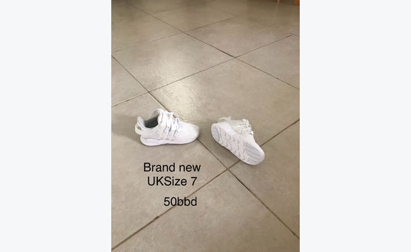 Brand new Adidas trainers uk size 7 (child's)