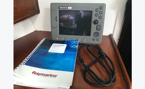 GPS Raymarine c80 multifunction display - Accessories - Fittings