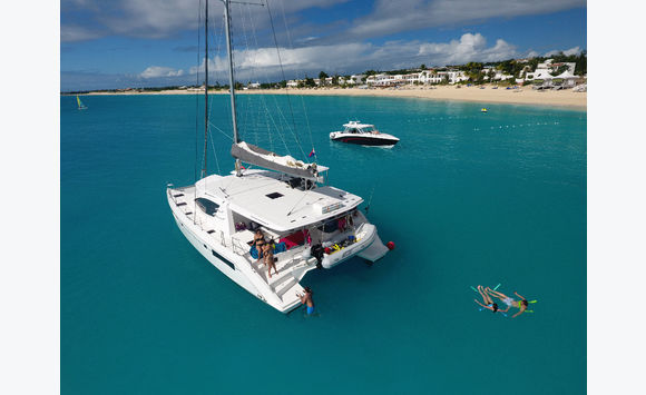 company Charter catamaran 48 NV feet