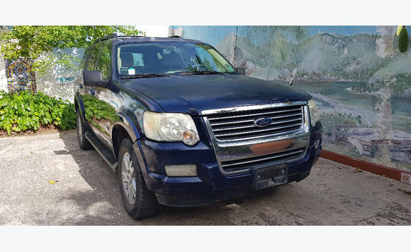 Ford Explorer (faible kilometrage)