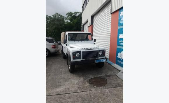 Land Rover Defender 110 Pick-Up Mark V