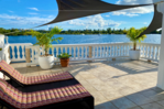 THE LAGOON - 3 Bedrooms - Private Pool and Dock