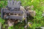 Un moteur 307 Peugeot un lit 4 essence